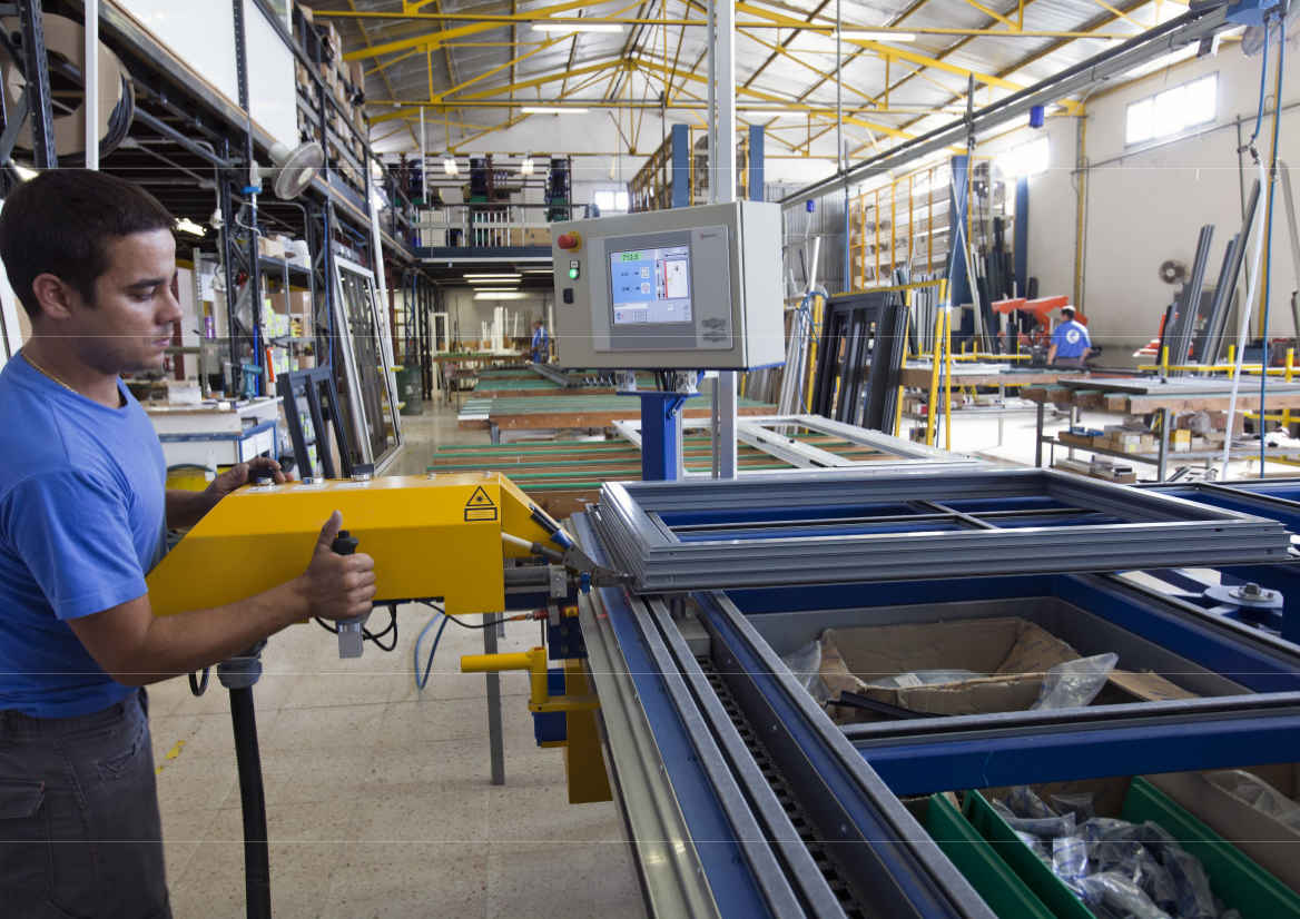 Juan cuadros carpinteria de aluminio en menorca mallorca for Carpinteria aluminio